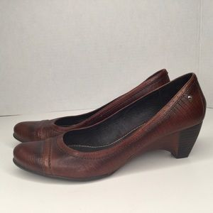 Pikolinos brown leather shoes.